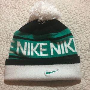 Nike Pom Pom beanie